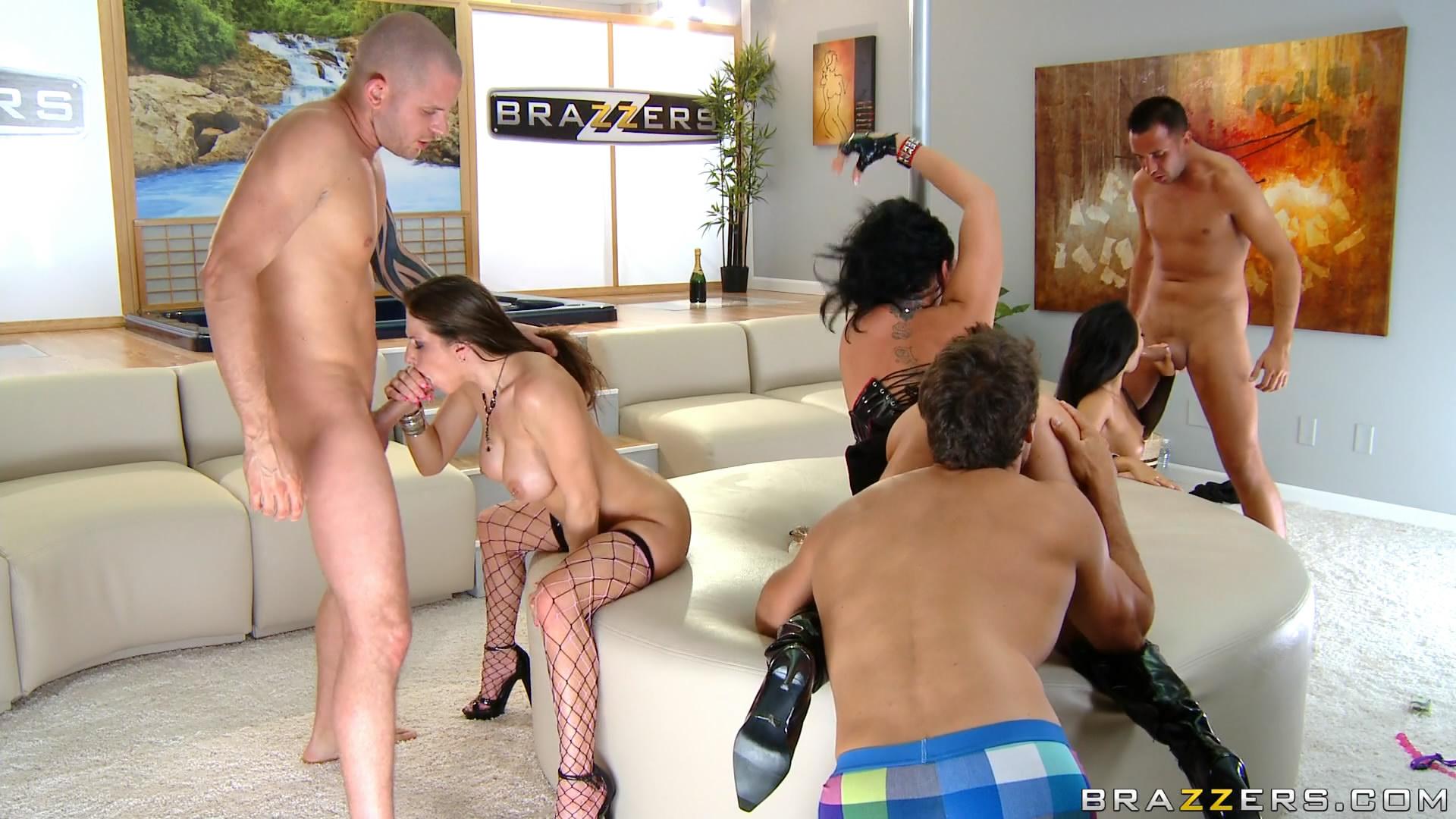 Смотреть порно по прямой трансляции 12 фотография