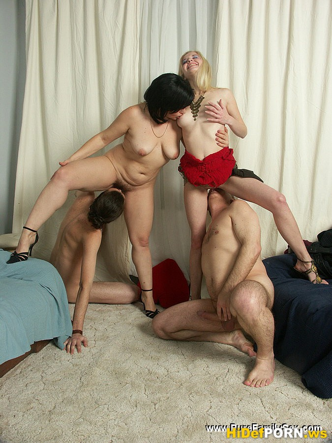Инцест порно фото группа