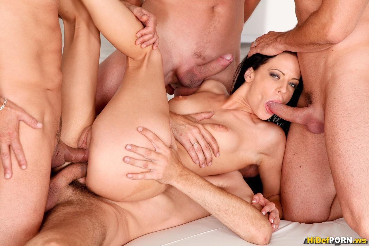 Chris Streams presents Manuel Ferraras Reverse Gangbang