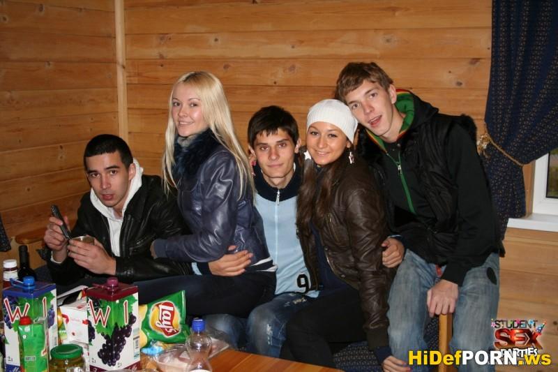 Скачать Logan, Eva Cats and Lera - Cottage Party Hearty Ep.1.