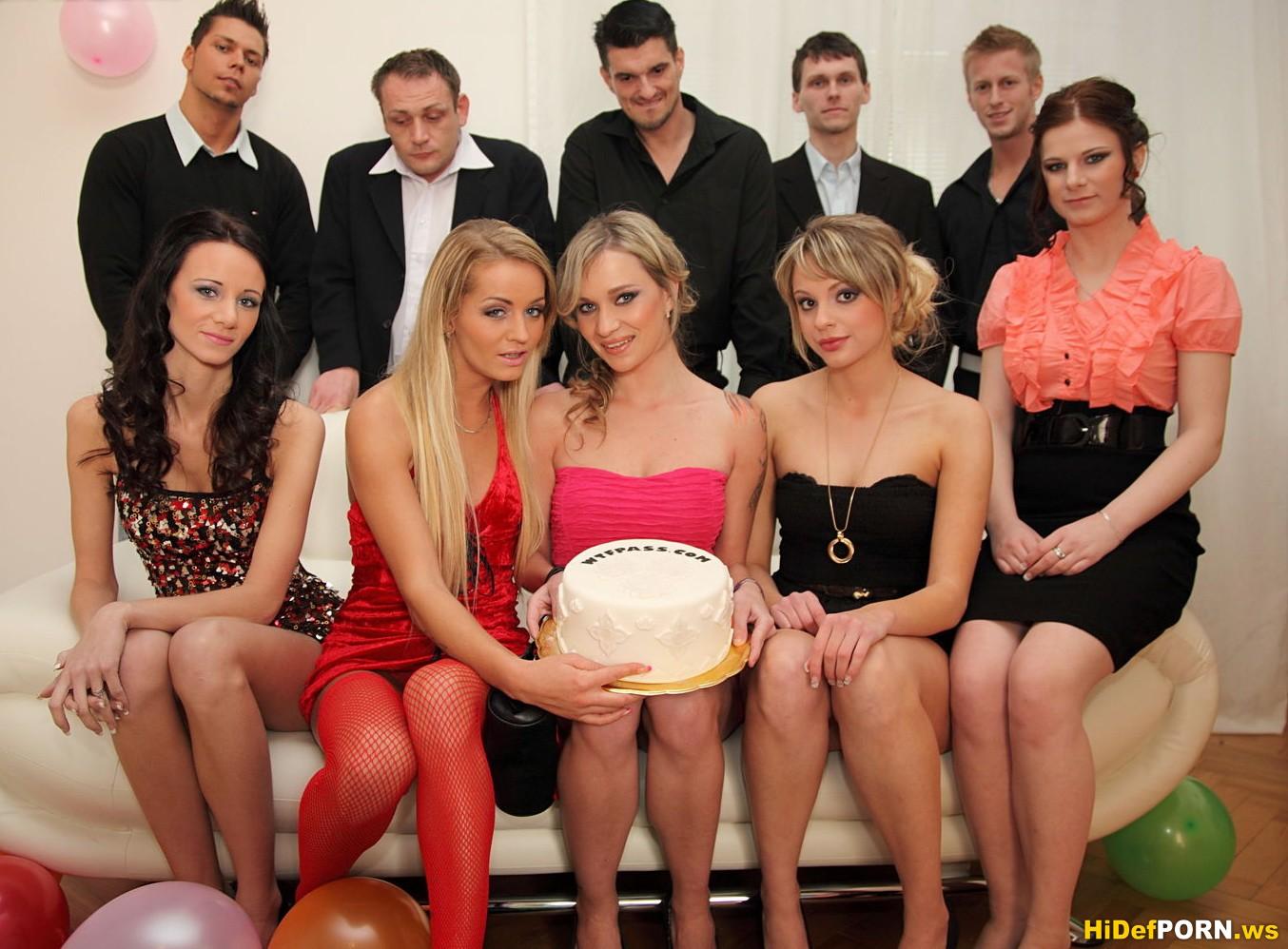 Украинское домашнее порно с инцестом и брюнетка не ...