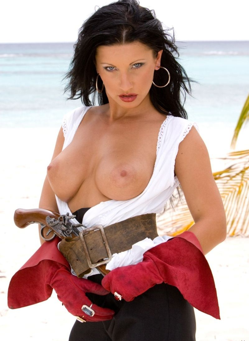 Pirates of the caribbeanporn fucks video