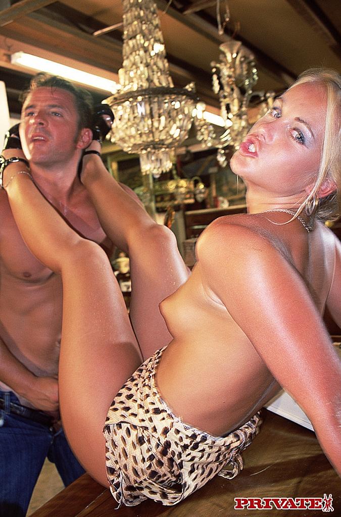 Middle aged big boob nacket women sex