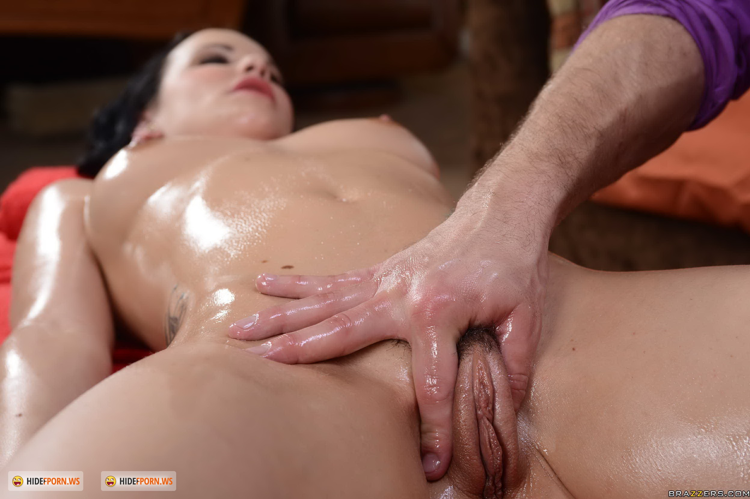 Смотреть бесплатно онлайн нежный массаж переходящий в секс 23 фотография