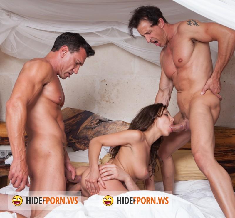 фото секс с 2 мужчинами