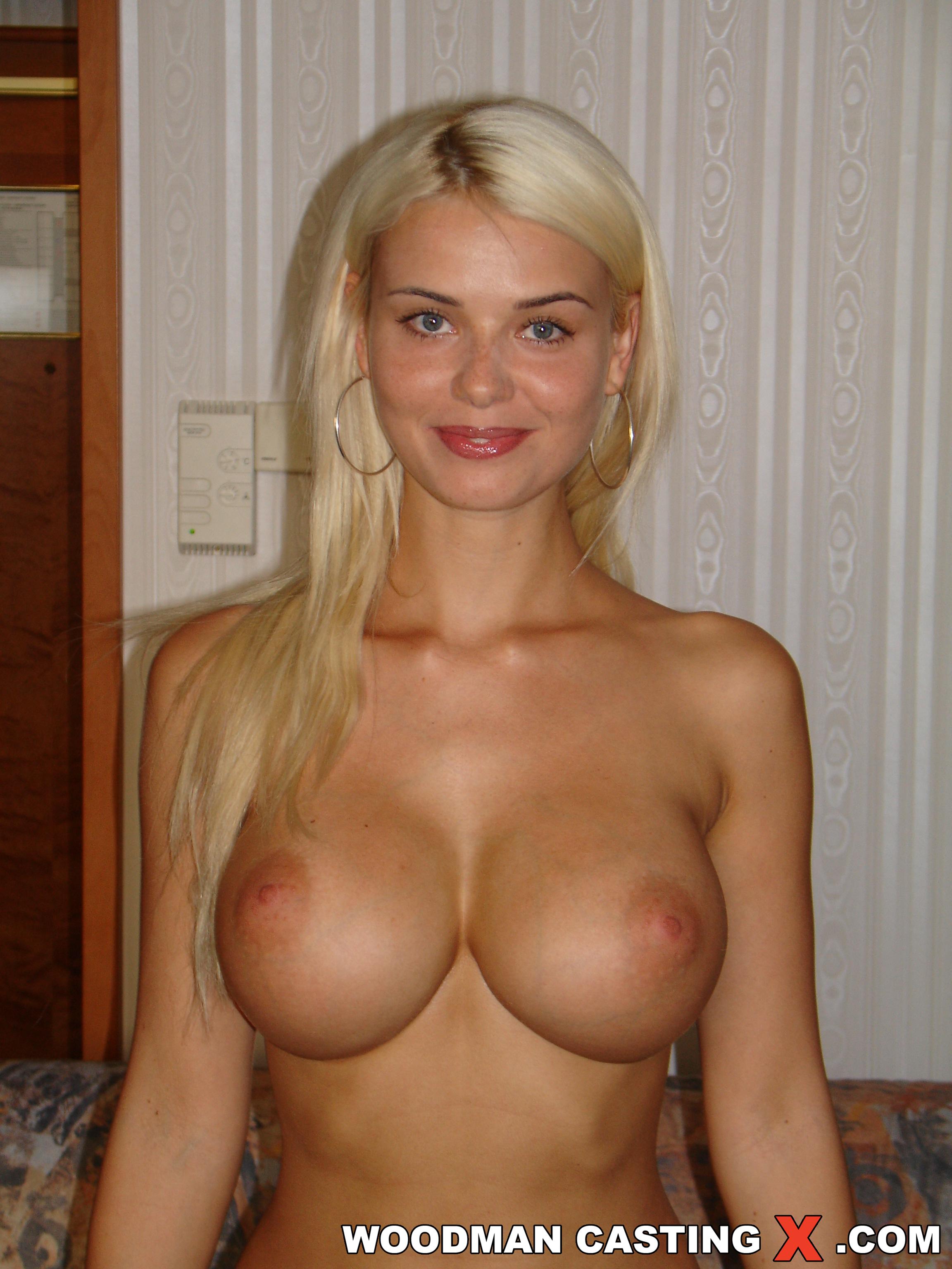Сабрина блонд на кастинге вудмана 15 фотография