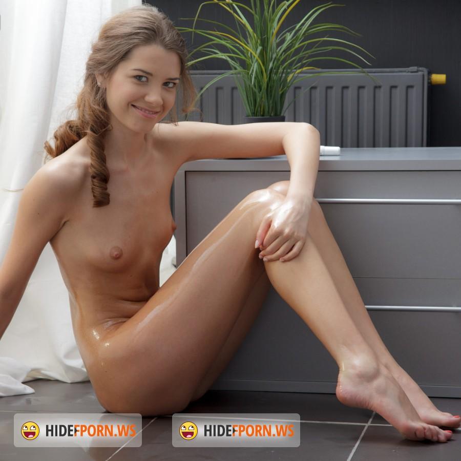 Download tine girl hard fuck sex videos nackt girl