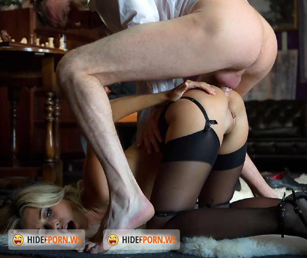 Скачать бесплатно порно с лолой реве в униформе фото 636-513