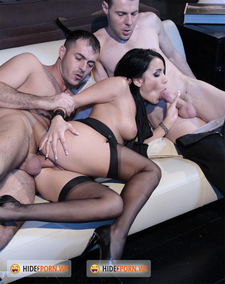 porno-smotret-plyazhe