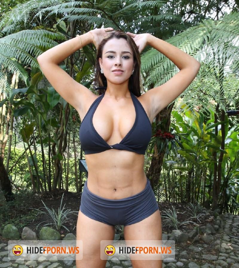 Sofia nix folla en la selva 5