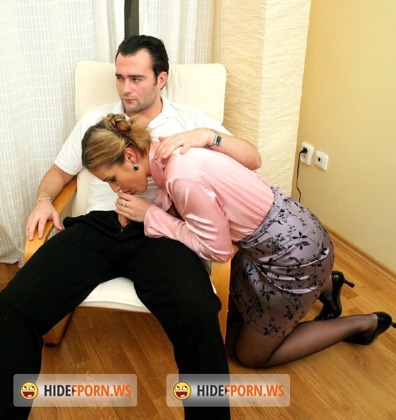 Русский парень выебал свою начальницу 10 фотография
