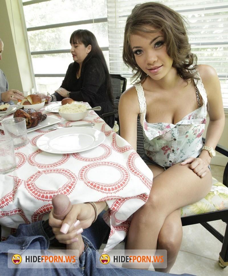 LatinaSexTapes.com/Mofos.com - Cassidy Banks - Bad Girl Makes Porn at Folks' Home [SD + HD 720p + HD 1080p]