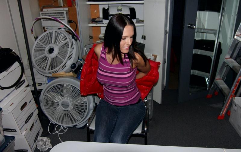 BackRoomFacial.com - Jennifer Dark - Jennifer Dark in the Back Room [HD 720p]