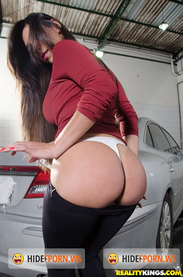 MikeInBrazil.com / RealityKings.com - Cristiane Fatally - Waxing the trunk [FullHD 1080p]