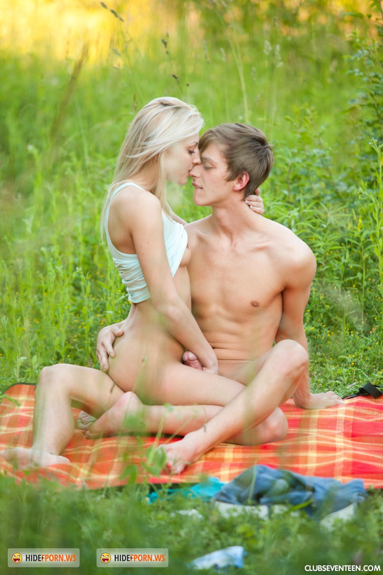Секси малышки смотреть бесплатно 22 фотография