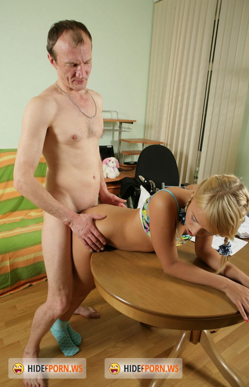 перед приходом отца секс