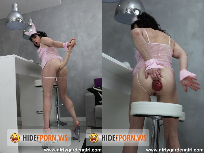 DirtyGardenGirl.com - DirtyGardenGirl - Little toy and the big prolapse [FullHD 1080p]