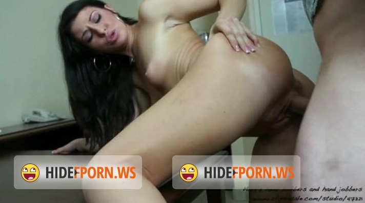 Clips4Sale.com - Mia Gold - High class escort [SD 406p]