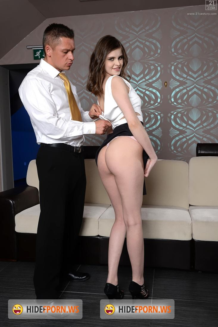 PixAndVideo.com/21Sextury.com: Anna Taylor - Affair with her colleague [FullHD]