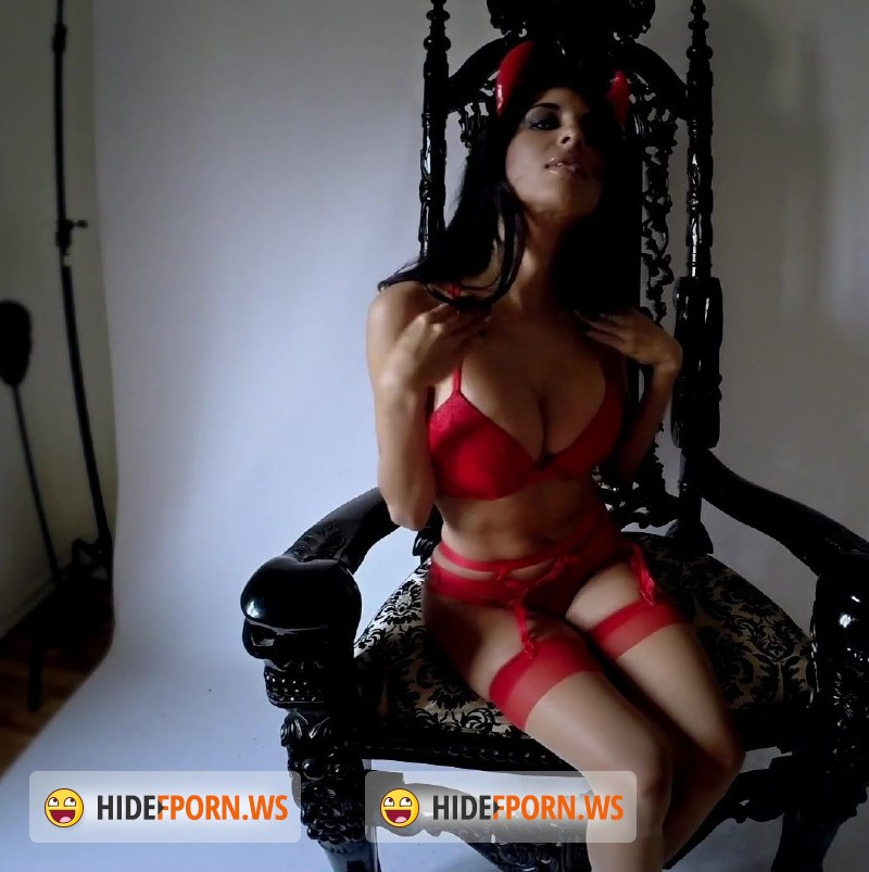 IdelsyLove.com/LoveAndDeathProject.com - Idelsy Love - Her Infernal Majesty [FullHD 1080p]