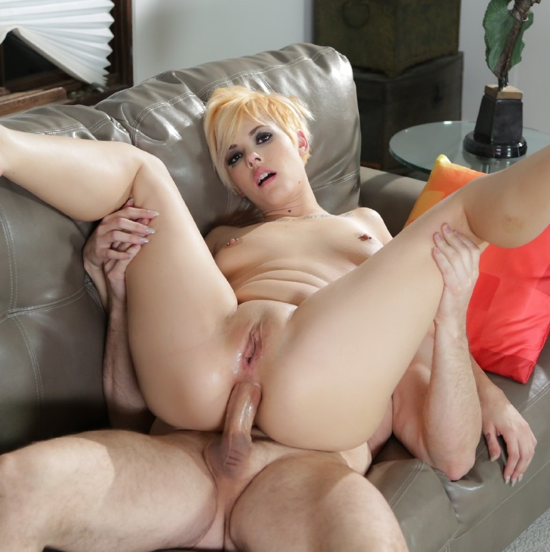 BurningAngel.com - Chelsea Grinds - Chelsea Grinds First Time Anal [SD]