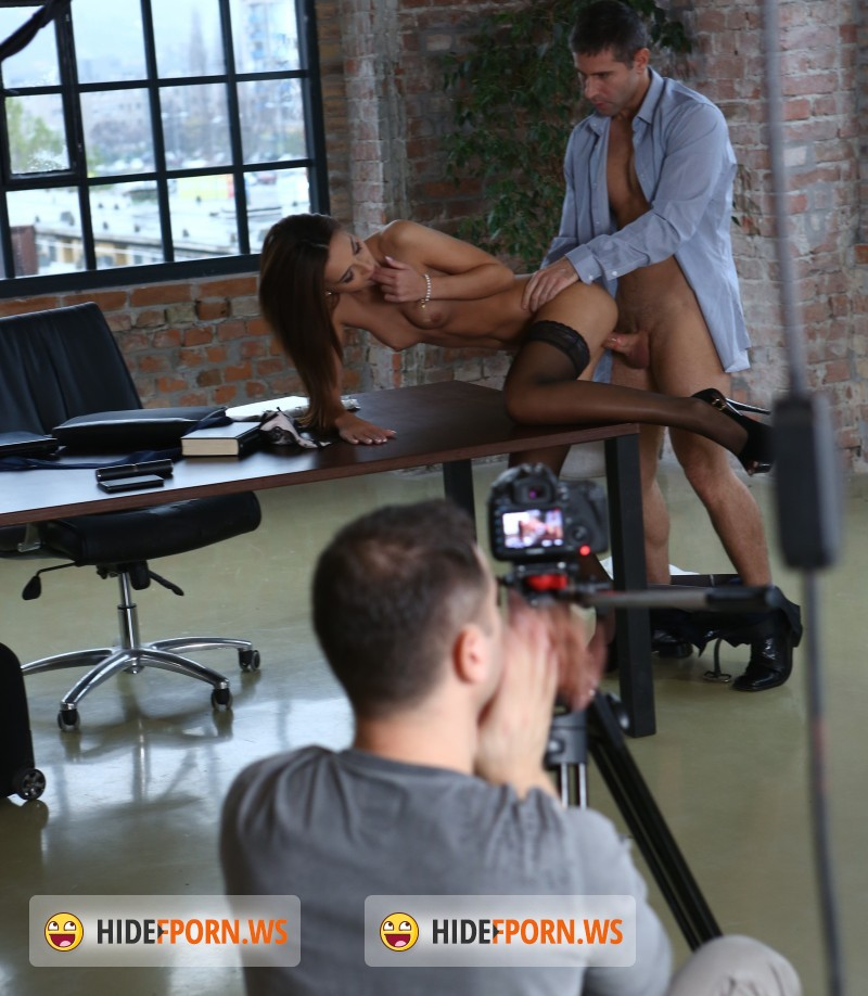DorcelClub.com - Manon Martin, Sophia Laure, Alexis Brill, Susan Ayn - Making Of - Manon, Rookie Secretary [FullHD]