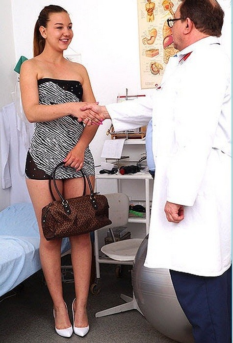 ExclusiveClub.com/FreakyDoctor.com: Dominica - 21 years girls gyno exam [HD]