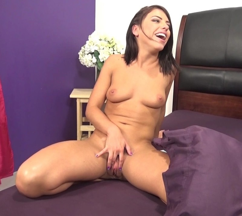 - Adriana Chechik - Adriana Chechik Is Perfection Made Flesh [HD 720p]