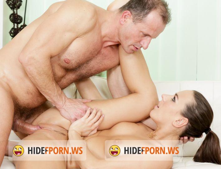 intimate massage holbæk medina bryster