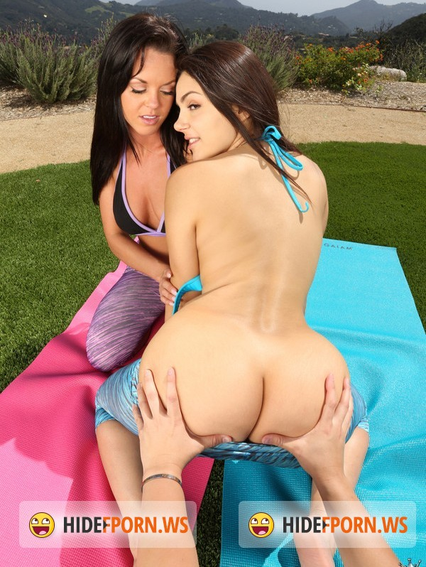 WeLiveTogether.com/RealityKings.com: Rahyndee, Valentina Nappi - Suck it good [SD]