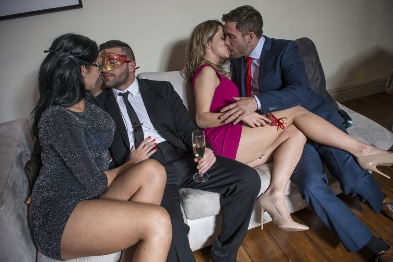 zasovivanie-predmetov-seks
