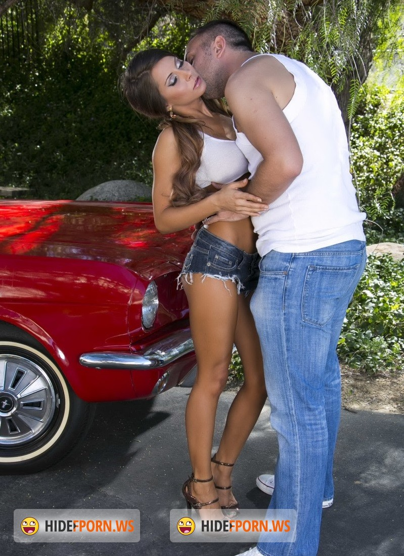 BabyGotBoobs.com/Brazzers.com - Madison Ivy - Summertime Spray Down [HD 720p]