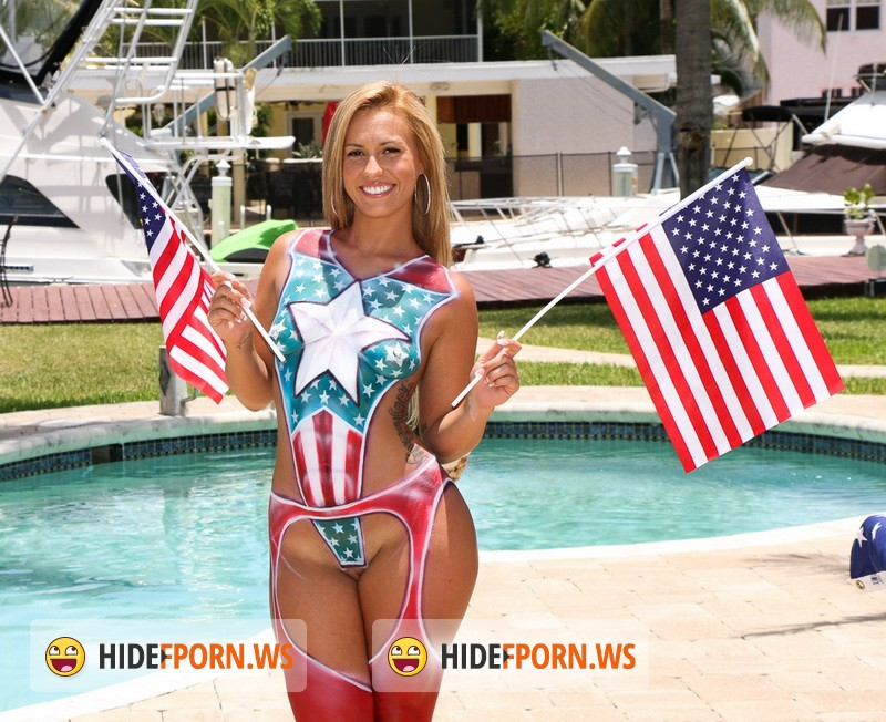 TeenCurves.com/TeamSkeet.com - Kelsi Monroe - 4th of July Booty [HD 720p]