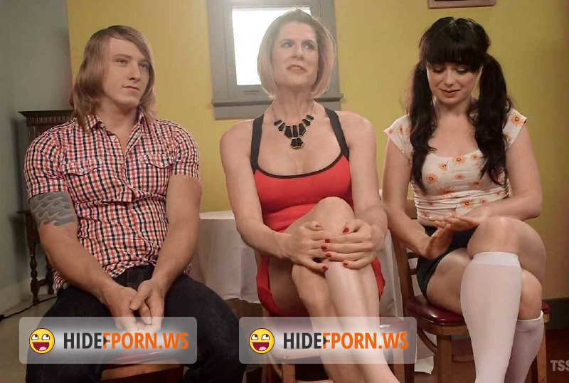 TSSeduction.com/Kink.com - Delia DeLions, Siouxsie Q, Tom Faulk - Mommys Dark Secret A Family Affair [SD 540p]