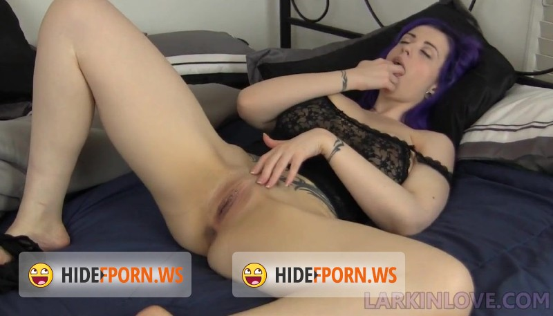 LarkinLove.com/Clips4Sale.com - Larkin - Morning Orgasms Wednesday [HD 720p]