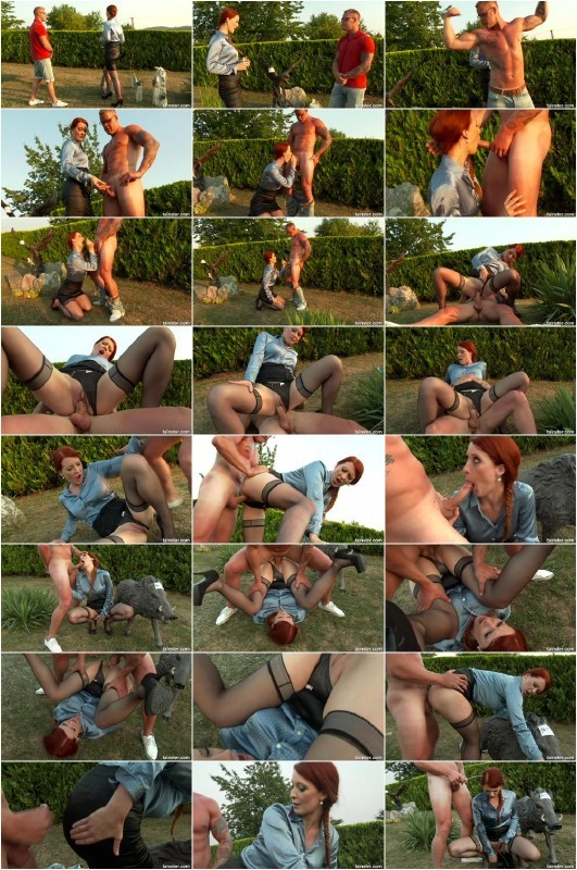 FullyClothedPissing.com/Tainster.com - Amateurs - Golden shower in the garden [FullHD 1080p]