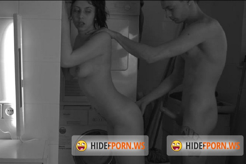 VersoCinema.com - Lobo, Luna Ruiz - Baby, do my washing [SD 584p]