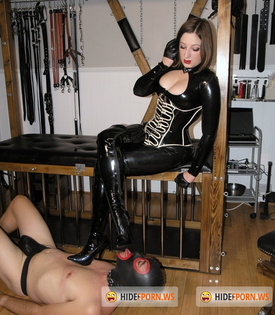 TheEnglishMansion.com: Mistress Evilyne - Shine Up My Shiny Boots (Femdom) [HD 720p]