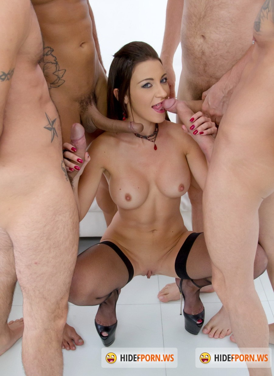 Смотреть julie skyhigh gangbang 12 фотография