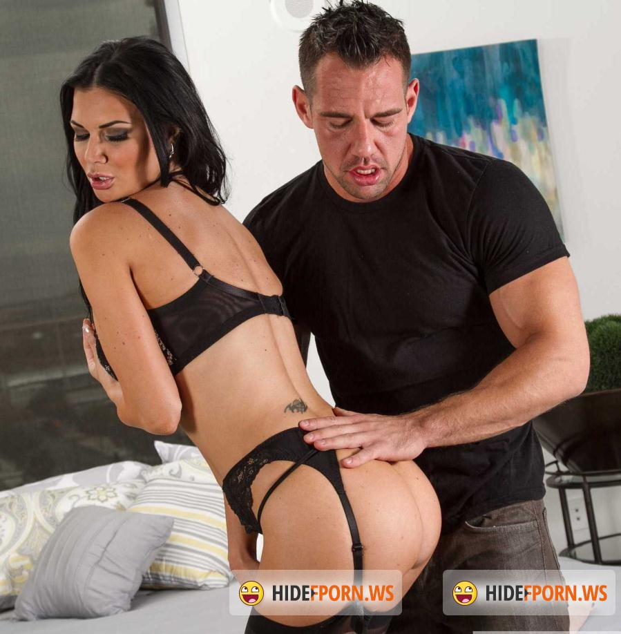 Hot Girlfriend: Jasmine Jae - 17 October 2015 (Big Tits) [HD 720p]