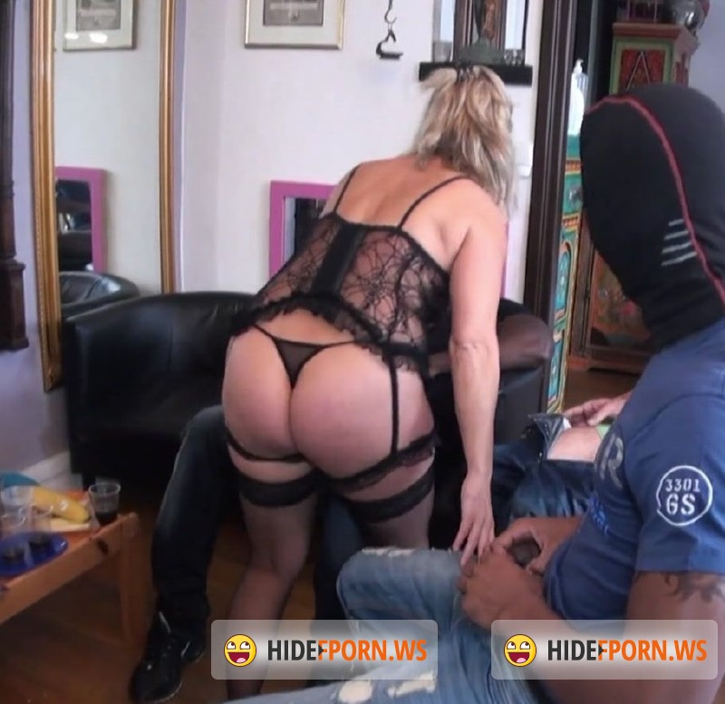 JacquieEtMichelTV.net - Lisa - Gang-bang black and white pour Lisa [FullHD 1080p]