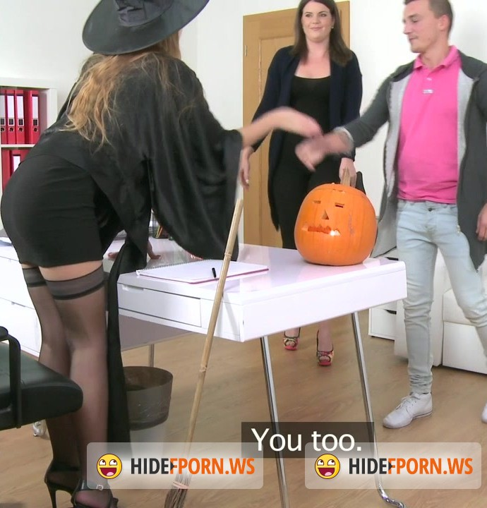 Female Agent: Alexis (Emilia), Don and Vanny - E328 Sexy witch masturbates as married couple fuck on the couch (Casting / Amateur) [HD 720p]