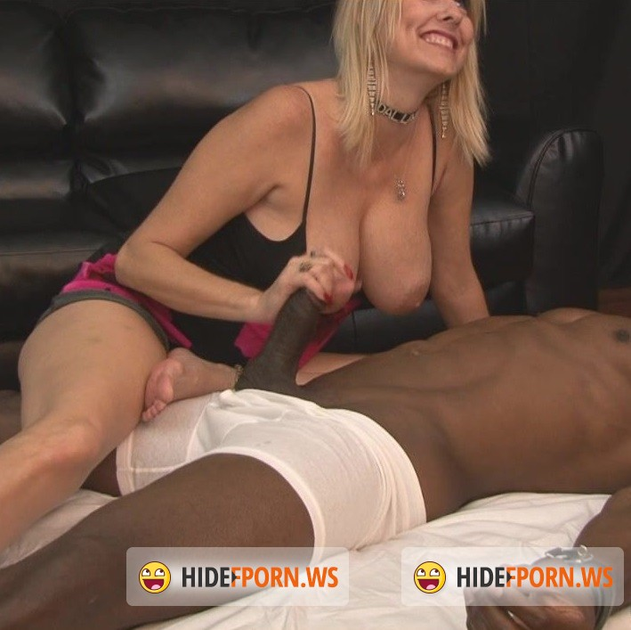 HandDomination.com - Amateurs - Bulls in the Hood starring Dallas D [HD 720p]