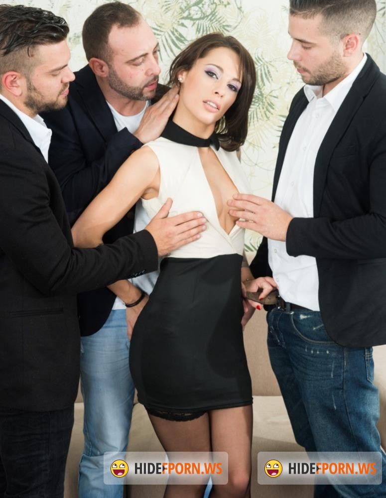 Private - Nikita Bellucci - Gets An Anal Creampie In A POV Gangbang [FullHD 720p]