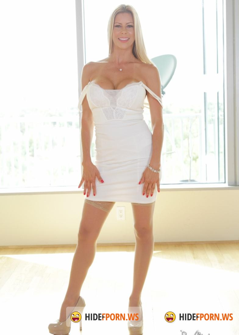 Puremature.com: Alexis Fawx - Wet Pussy In Waiting (Big Tits) [SD 480p]