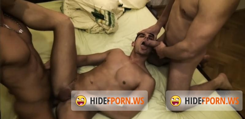 EricVideos.com - Milan - Milan gets creamed by 2 straight guys [HD 720p]