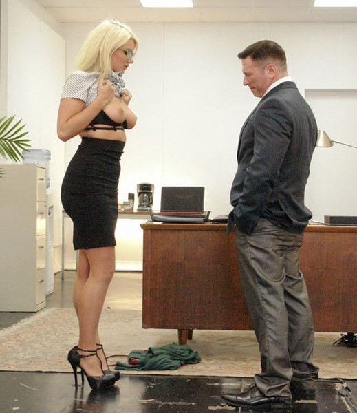 Kink.com - Layla Pryce - Submissive Secretary Does Double Penetration Duty [SD ]