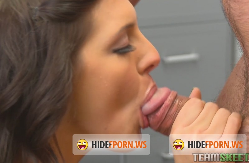 InnocentHigh.com/TeamSkeet.com - Sadie Holmes - Happy Hoelidays Everybody! [HD 720p]