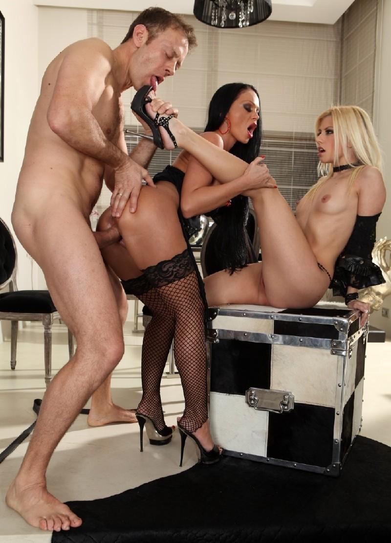 Смотреть порно онлайн с christina bella 21 фотография