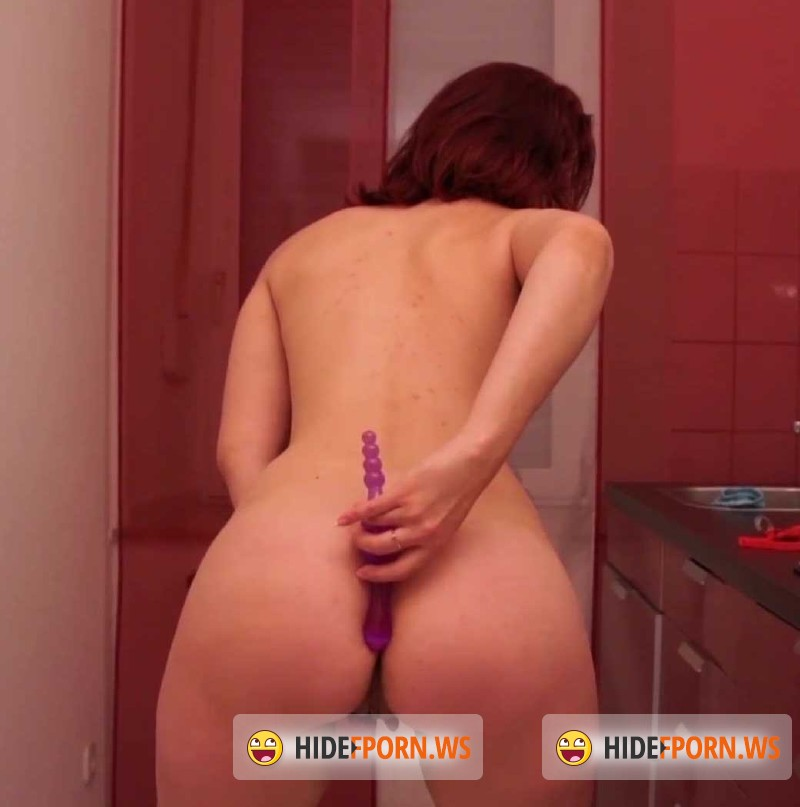 MagmaFilm.com - Amateurs - Young, Red And In The Kitchen [SD 584p]